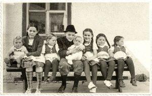 Kinder in einer Caritaseinrichtung vor mehr als 60 Jahren